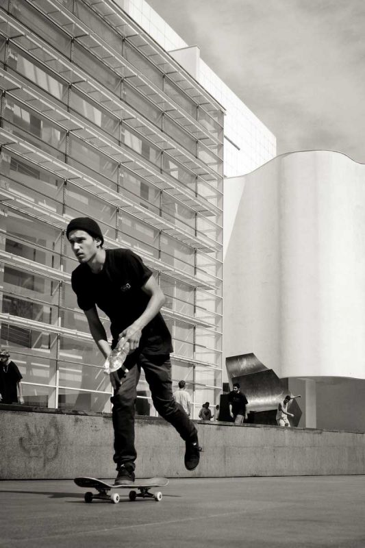 Skate-on-board-MACBA-life-Barcelona-IDNT-apparel